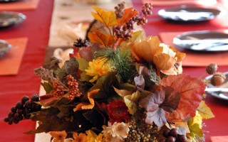 Etiquette Tips for Thanksgiving Day: Beyond Table Manners
