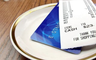 Dining Etiquette: Who Should Pay When You Go Out to Lunch?