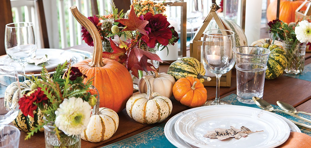 Holiday dinner party checklist diane gottsman for Modern fall table decorations