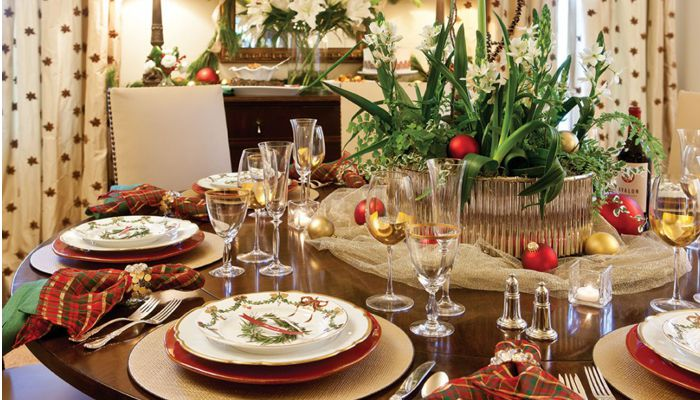 Perfect Holiday Guest Etiquette