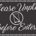 7 Etiquette Tips to an Unplugged Wedding