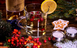7 Ingredients to Hosting a Successful Holiday Gathering