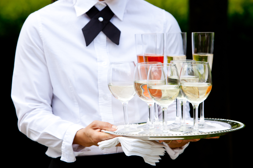 Restaurant Etiquette: 10 Things Wait Staff Can Do to Keep