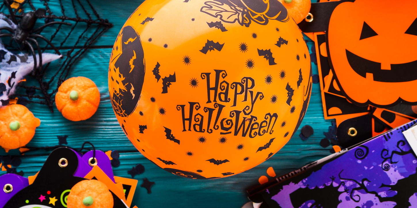 how to host an allergy-free kids halloween party | etiquette expert