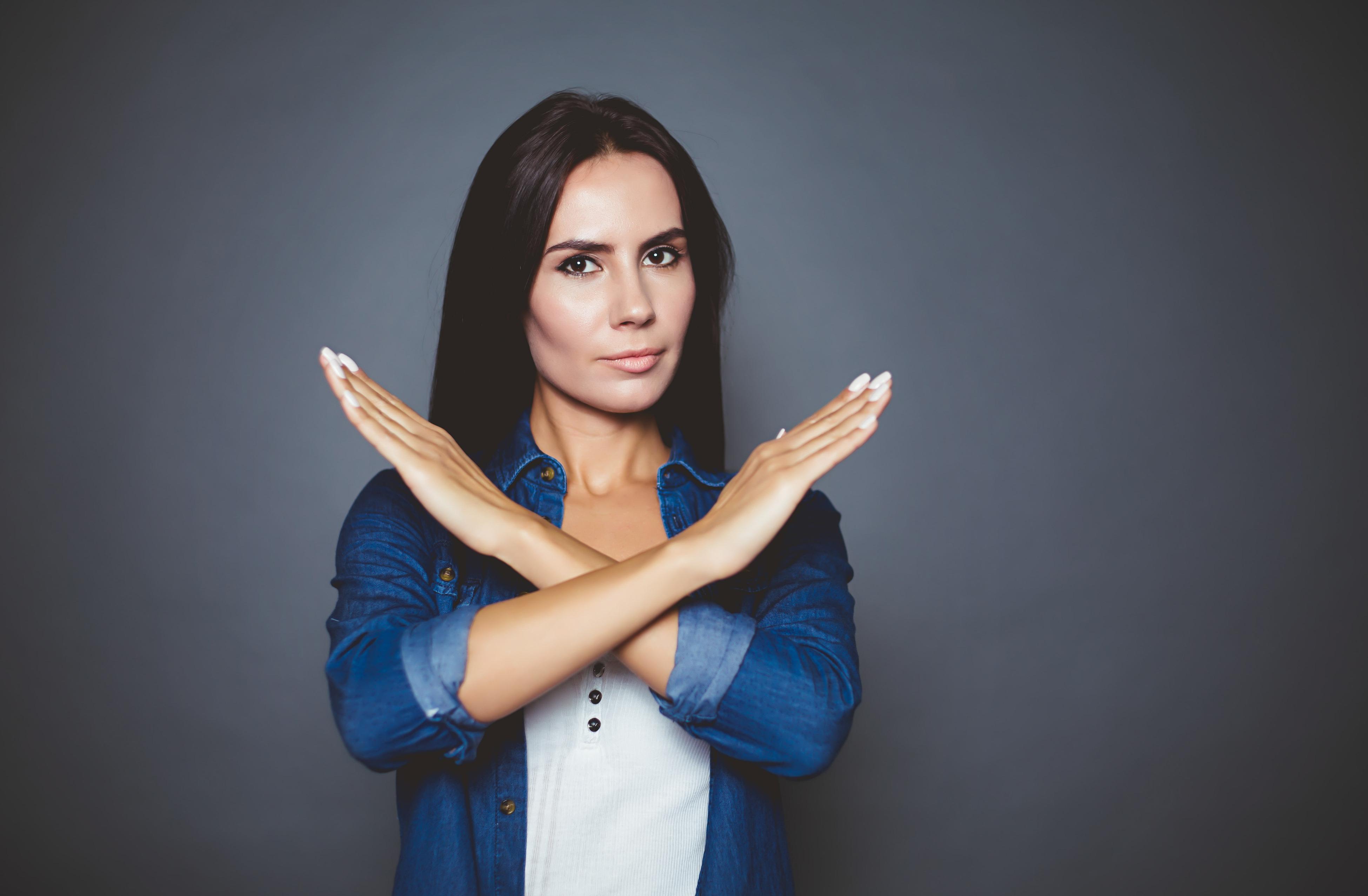Body Language Etiquette: 7 Gestures to Avoid - Diane Gottsman